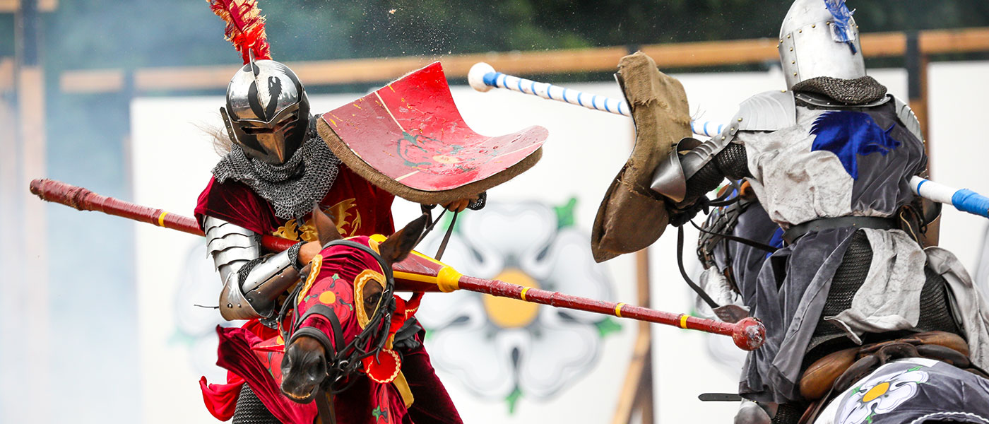 WARS OF THE ROSES AT WARWICK CASTLE