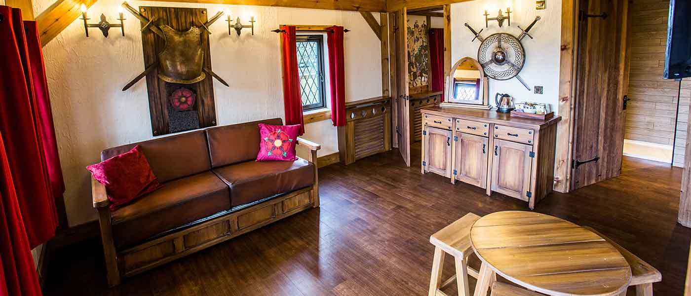 KNIGHT'S VILLAGE LODGES AT WARWICK CASTLE